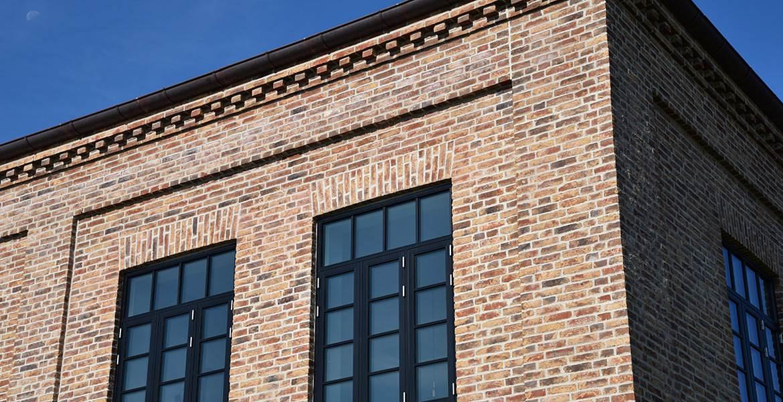 Облицовочный кирпич ручной формовки Randers Tegl RT 452 bunt gotik handformziegel