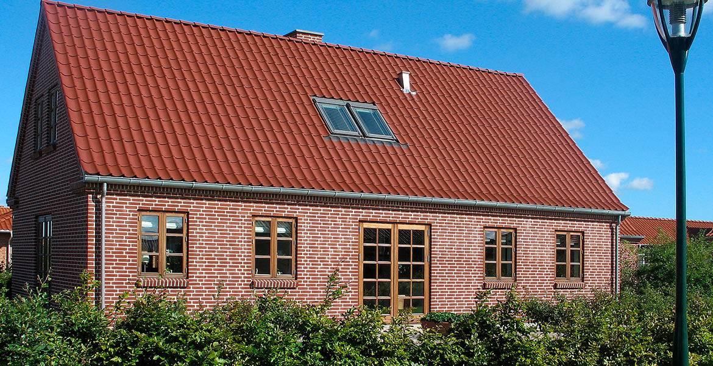 Облицовочный кирпич ручной формовки Randers Tegl RT 307 rot handstrichziegel