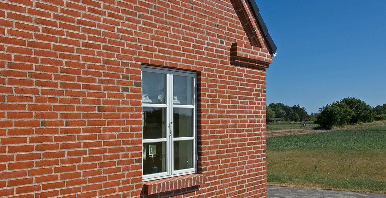 Облицовочный кирпич ручной формовки Randers Tegl RT 406 rotbunt handstrichziegel